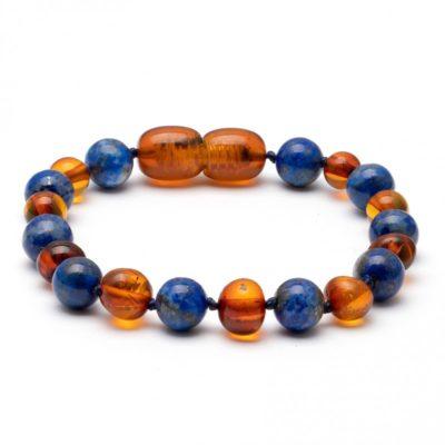 kinder armbandje cognac met lapis lazuli licht AMBER
